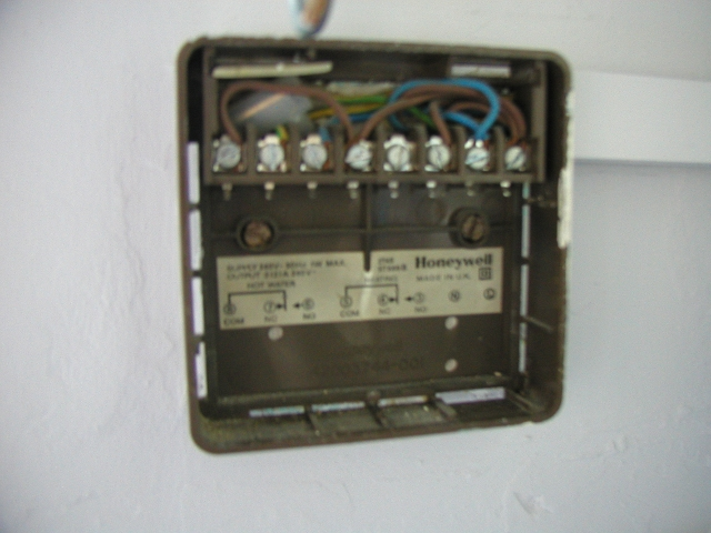Honeywell St699 Timer Battery Replacement